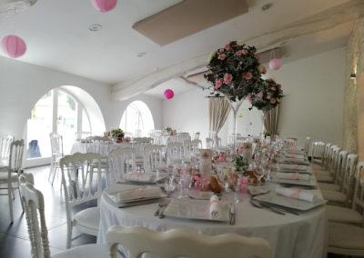 décor de salle de mariage au Domaine de Larchey par Mademoiselle Loyal