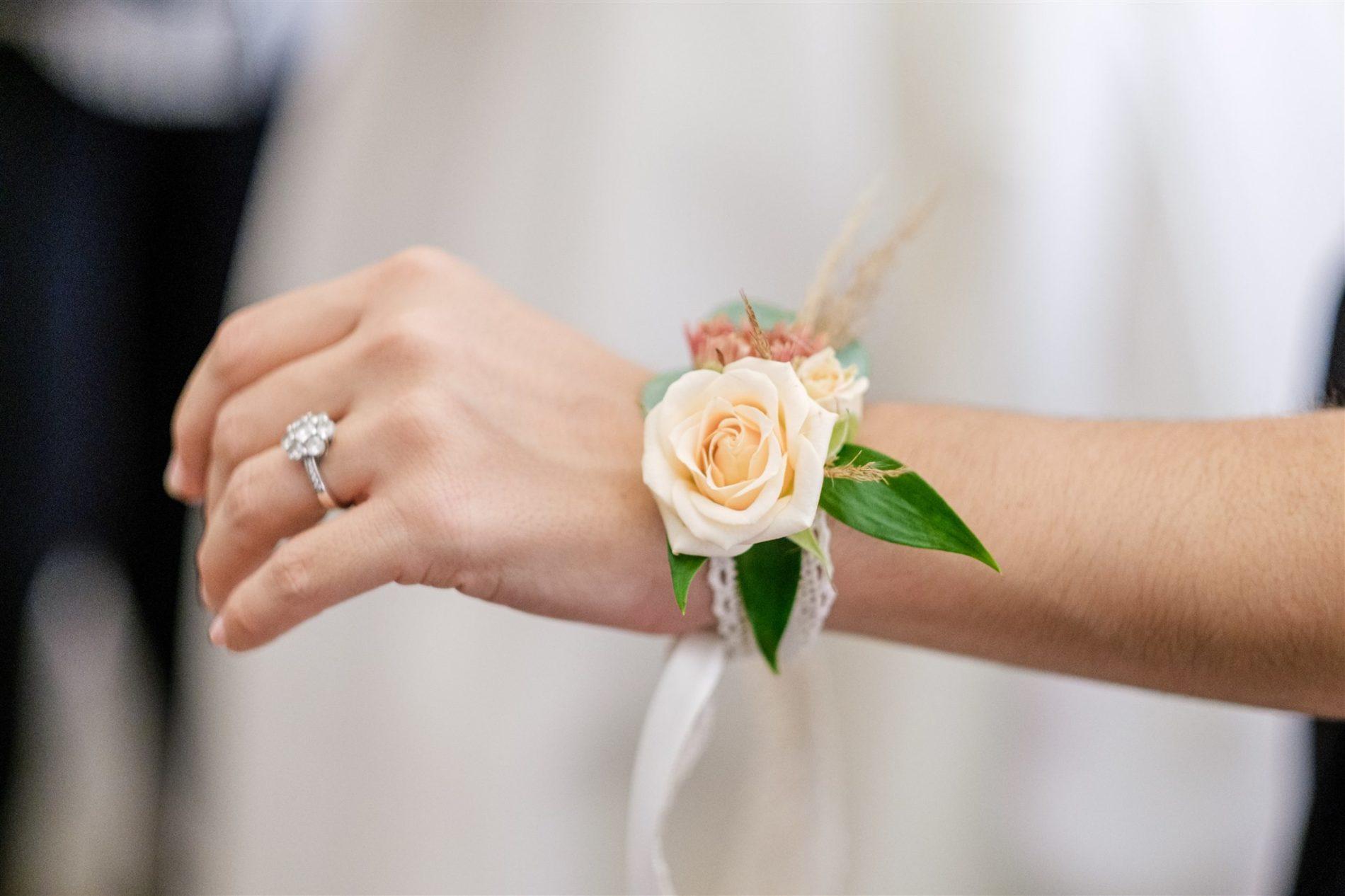 bracelet fleurs témoin mariage