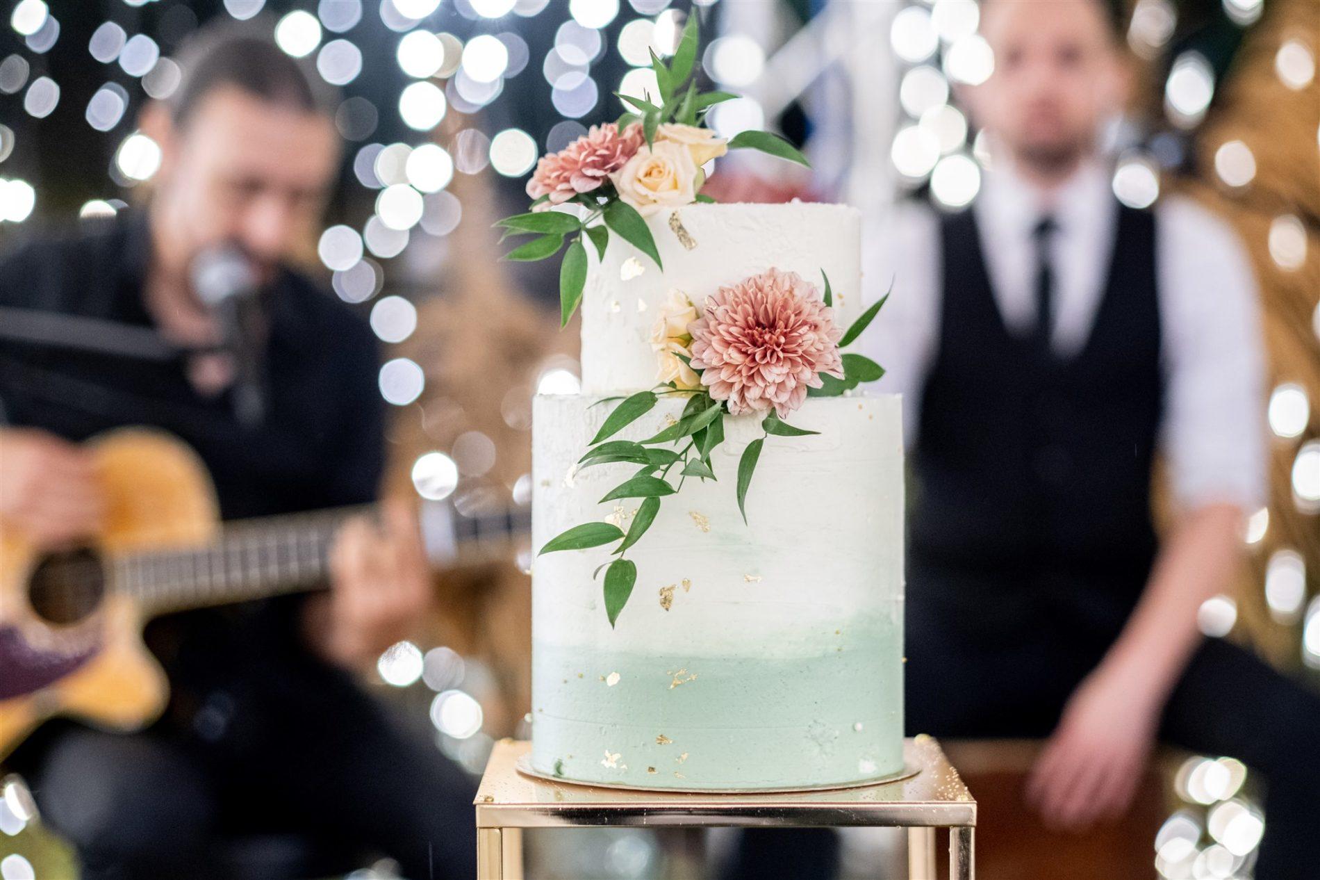 wedding-cake mariage vert d'eau