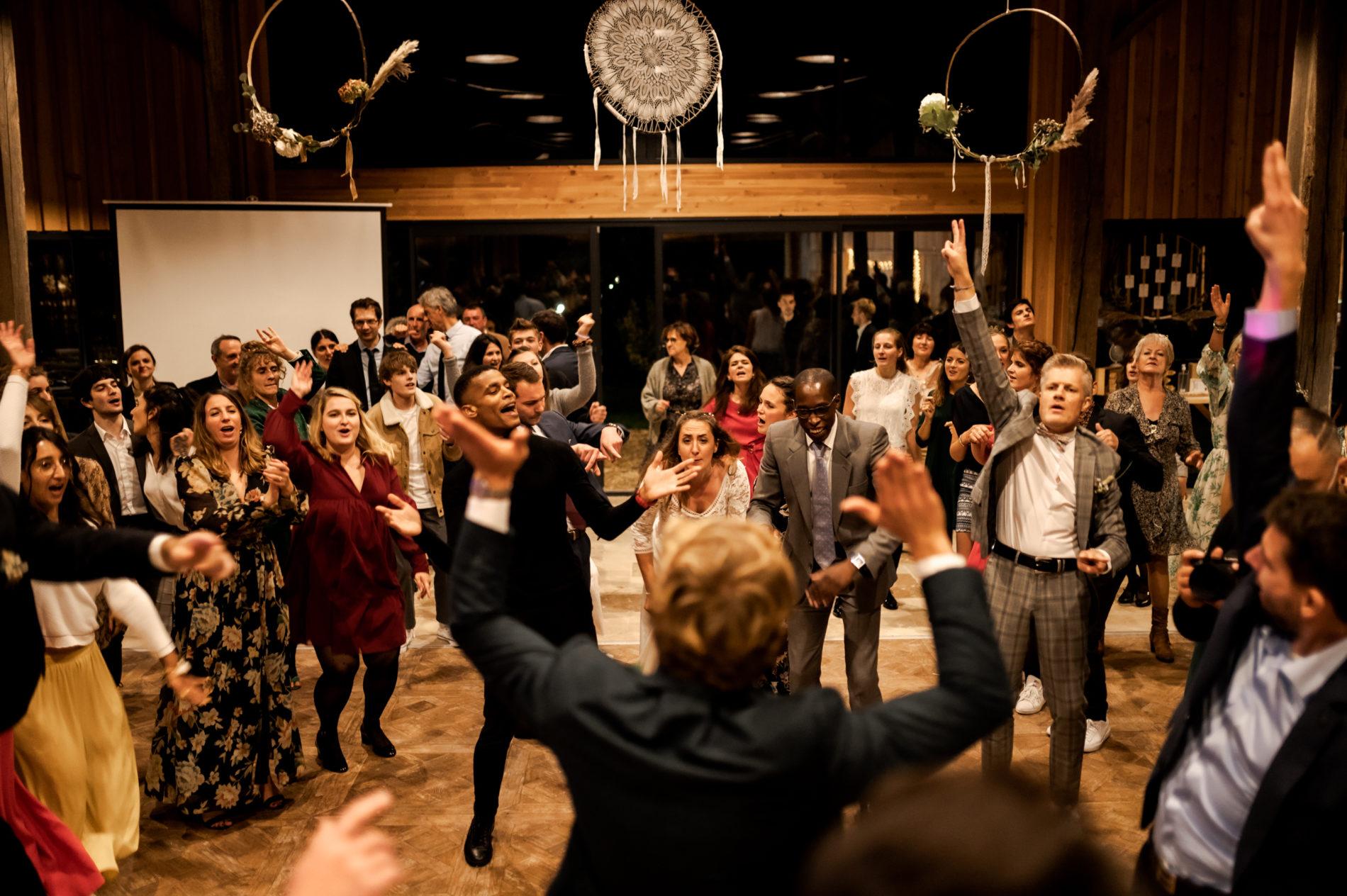 Piste de danse mariage au clos des charmes